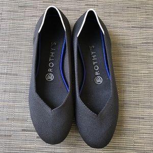 Black Rothy's round toe flat size 8
